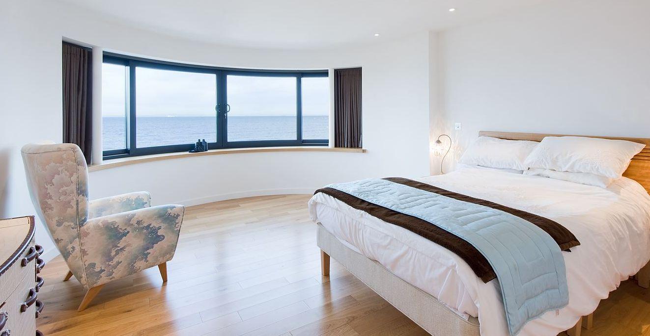 Bedroom Curved Window