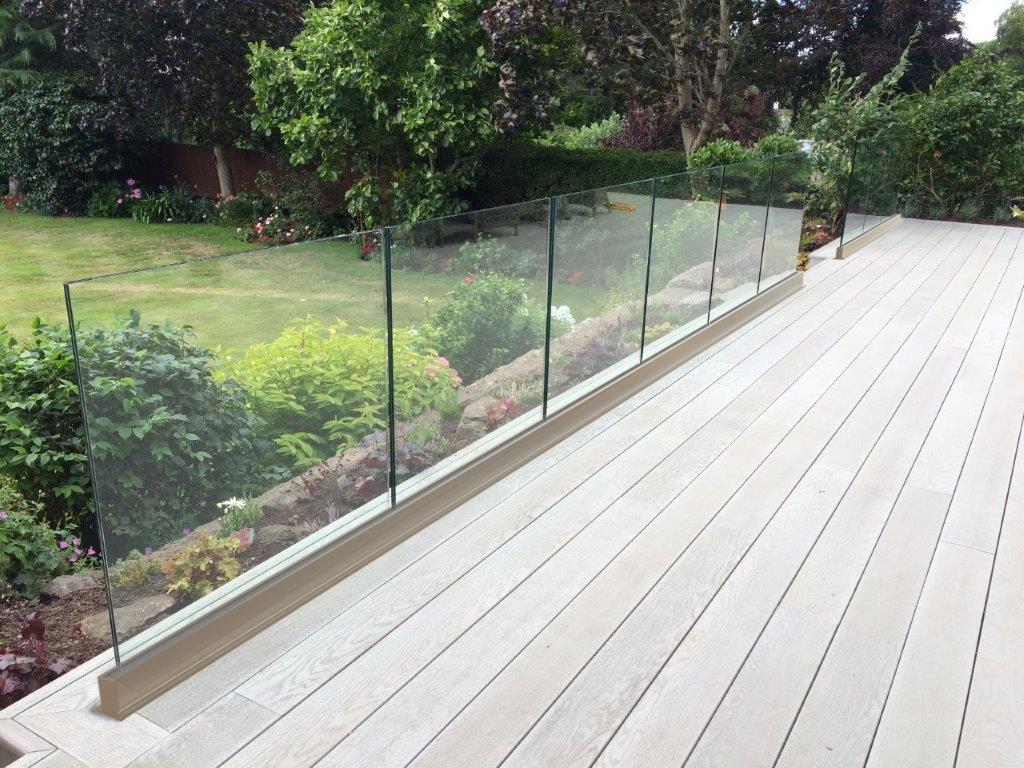 SG12 balcony system