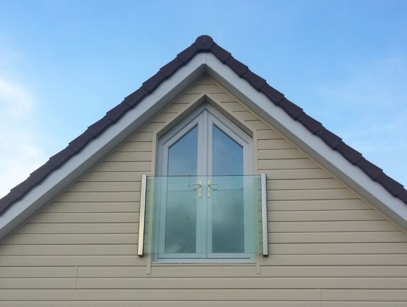 glass frameless juliet balcony