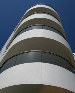 curved facades in buildings