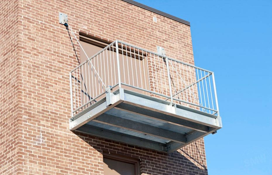 hanging balcony structure