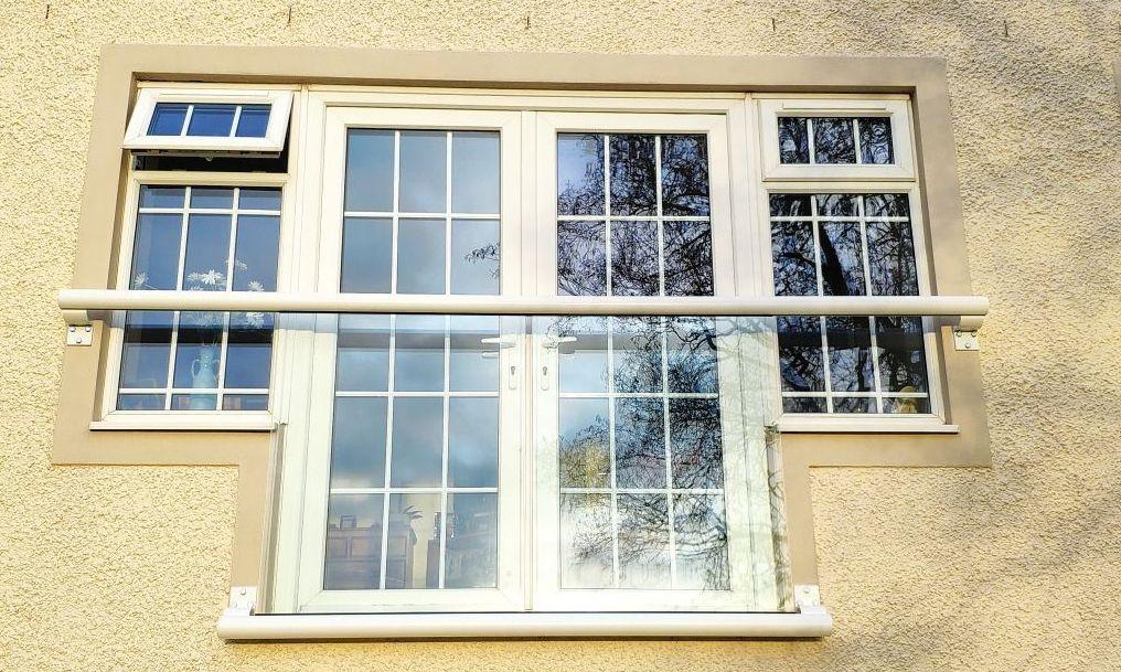 T-shaped Glass Juliet balcony