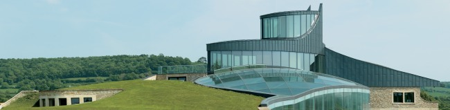 curved-glass-balconies-swinhay