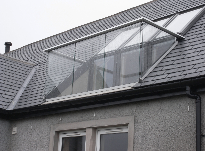 Loft balustrade glass balustrades balcony systems for Balcony window