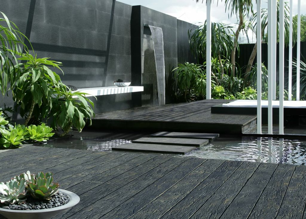 composite-decking-carbonised