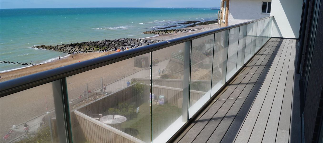 Glazed terrace railings glazed balcony balcony systems for Balcony company