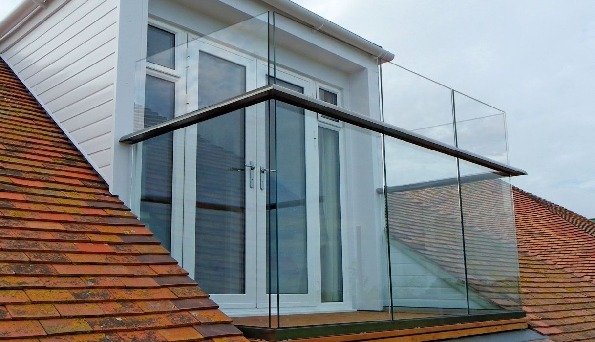 Glass baluctrades blog balcony systems for Balcony company